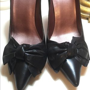 Guess Pointed-Toe Stilettos